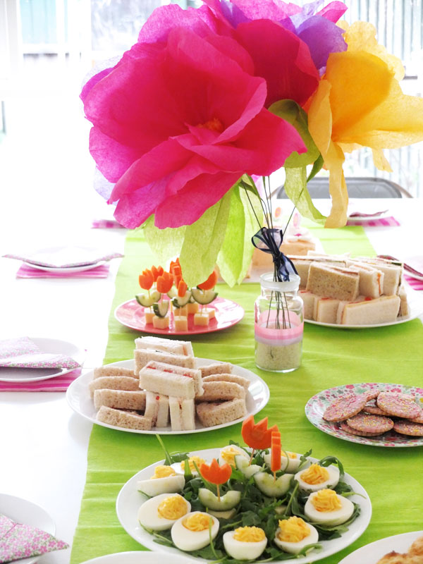 Emma 39 s flower garden birthday party my poppet living for Garden party flower designs to color